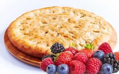 Сладкий пирог с ягодами